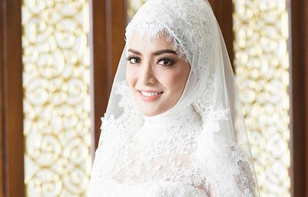 ประมวลภาพ ชุดแต่งงานอิสลาม พิงกี้ สาวิกา หรูหรา สุดอลังการ!