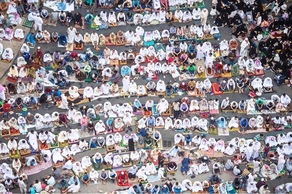 รวมภาพถ่าย การละหมาดอีดิ้ลฟิตริ 1436 จากทั่วทุกมุมโลก พร้อมวันอีดในอิสลาม คืออะไร 2/2